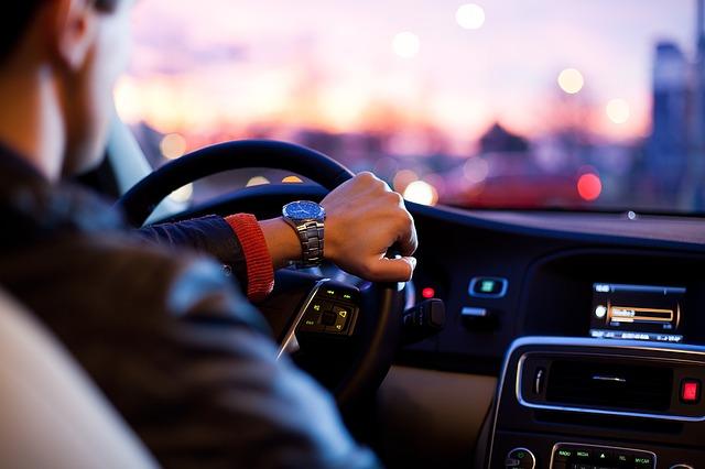 Malos hábitos al conducir