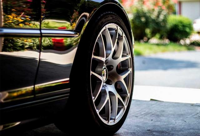como-limpiar-llantas-aluminio-del-coche