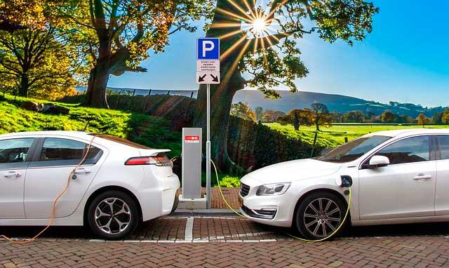 coches-hibridos-y-electricos